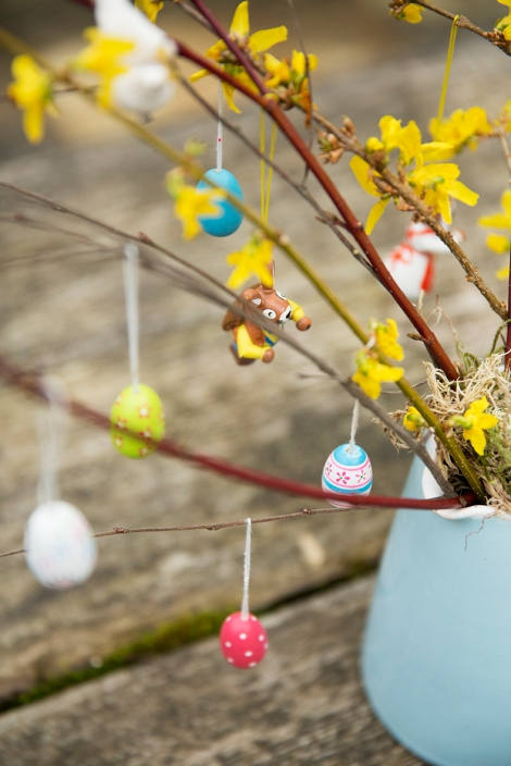 easter-tree-side-close