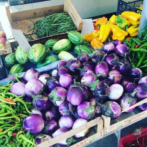 aubergines-market-italy
